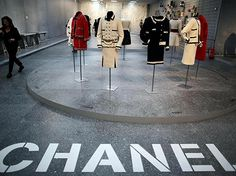 karl Lagerfeld exhibition for chanel Karl Lagerfeld, World Photo, Visual Merchandising, Coco Chanel, Museum, Ballet, Commercial, Events, Display