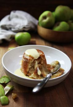 A very British dessert made with bread and apples | drizzld.com