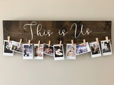 This Is Us - Holzschild- und Bildhalter, Instax-Bilderhalter, Fotohalter . This Is Us - Holz Picture Holders, Photo Holders, Custom Wooden Signs, Wooden Diy, Diy Bedroom Decor, Diy Home Decor, Bedroom Ideas, Bedroom Wall, Bedroom Furniture