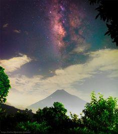 """""""Milky Way over Water Volcano"""" by Sergio Emilio Montúfar Codoñer (TWAN)"""