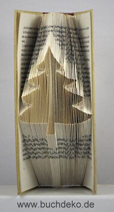 Origami, Book Folding, Old Books, Xmas Decorations, Nook, Book Art, Diy Crafts, Christmas, Book Page Crafts