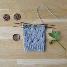 Virhe - 52 sukanvartta Knitting Socks, Knitted Hats, Mittens, Knit Crochet, Knitting Patterns, Winter Fashion, Accessories, Crocheting, Knit Socks