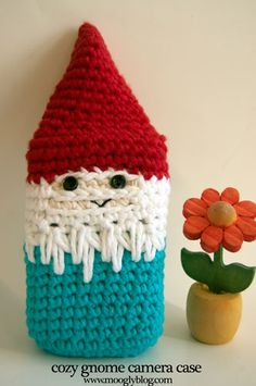 Cozy Gnome Camera Case (free crochet pattern for pocket sized cameras)