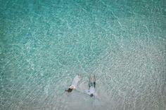 カオハガン島・ソルパ島では雄大な景色を残せるドローン空撮できます*  Cebu wedding photography.  #セブ旅行 #セブ島 #islandwedding #beachwedding #weddingphotography #weddingphotoideas #cebu  #cebuwedding #beachwedding #ウェディングフォト #セブウェディング #前撮り Cebu, Waves, Drones, Gallery, Outdoor, Outdoors, Women's Side Tattoos, Roof Rack, Ocean Waves