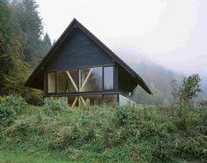 Загородный дом из дерева и стекла в Швейцарии