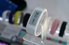 Sony SmartWatch 3, SmartBand Talk now in the PH