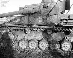Panzerkampfwagen IV (7,5 cm Kw.K. 40 L/48) mit Turmschürze…   Flickr All of the armor penetrations have been made by hollow charge explosives, probably a Bazooka.