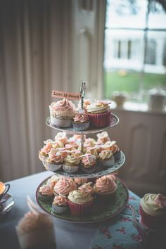 Homemade Wedding on the Coast of Ireland with Photos by Savo Photography � Lisa and Michael