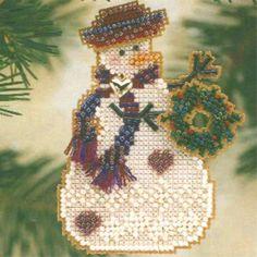 Wreath Snow Charmer Beaded Christmas Ornament Kit Mill Hill 2001