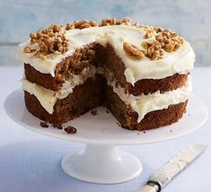 Carrot Cake Recipe Bbc, Easy Carrot Cake, Carrot And Walnut Cake, Carrot Cakes, Food Cakes, Classic Cake, Bbc Good Food Recipes, Cake Servings, Kitchens
