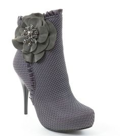 Gray Mesh Faux Leather Flower Detail Ankle Boot Booties Fourever Funky,http://www.amazon.com/dp/B00DZUY6FC/ref=cm_sw_r_pi_dp_K.0psb0BAW8XVACV