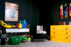 Who knew black could still be so fun? Gorgeous modern nursery featuring the Vetro Crib with colorful room accents. Nursery Works, Chic Nursery, Nursery Ideas, Room Interior Design, Home Interior, Interior Design Inspiration, Yellow Dresser, Cool Kids Bedrooms, Dark Walls