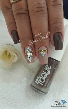 ❤ Cool nail polish color and nail art! Rhinestone Nails, Bling Nails, Toe Nail Art, Acrylic Nails, Cute Nails, Pretty Nails, Nail Jewels, Gem Nails, Creative Nails