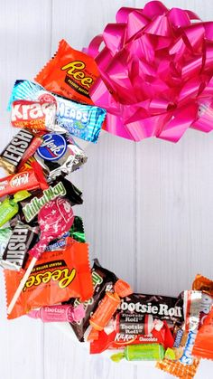 How to Make a Candy wreath for Birthdays or Valentines