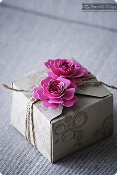 Gift Wrapping   pink flower