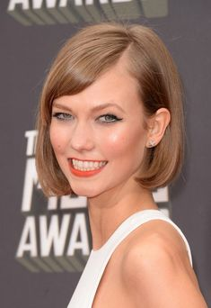Sweet Short Haircut - Blonde Bob Hairstyle for Short Hair from Karlie Kloss - Hairstyles Weekly