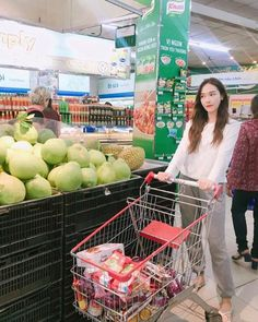 170623 jessica.syj updated IG: jessica.syj: Lost in a Vietnamese grocery