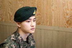 Baekhyun Chanyeol, Yook Sungjae, Btob, Kai, Black Pink ジス, Luhan And Kris, Do Kyung Soo, Korean Star, Military Service