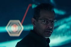 Football fans just got a surprise look at the first trailer for next year's Independence Day: Resurgence. Starring Jeff Goldblum and Bill Pullman (but with no sign of Will Smith), the film will. Streaming Movies, Hd Movies, Movies Online, Movie Tv, Will Smith, Liam Hemsworth, Steve Jobs, Super Bowl Video, Hunger Games