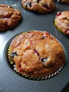 Weekendkitchen: Fluffy Low Carb Berry Muffins / Luftige Low Carb Beeren Muffins