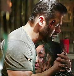 What a brilliant end to the year 2017! Tiger Zinda Hai became one of the top grossing films of the year and justbeat Golmaal Again's lifetime collections. Salman Khan even beat the lifetime collections of his own film, Prem Ratan Dhan Payo, with Tiger Zinda Hai. This is a... Bollywood Cinema, Bollywood Actors, Bollywood Celebrities, Katrina Kaif Dresses, Salman Katrina, Prem Ratan Dhan Payo, Salman Khan Photo, Sajid Khan, Bollywood Pictures