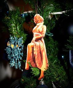 Glamorous Miss Marilyn Monroe Bradford Exchange Ornament 2001 ...