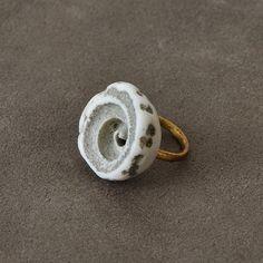 #Shell & #gold #ring designed by #JurgenLehl for #Babaghuri .