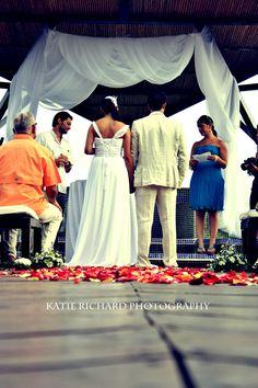 Destination wedding photography in Manuel Antonio, Costa Rica  Punto de Vista Villa  Copyright: Katie Richard Photography    https://www.facebook.com/pages/Katie-Richard-Photography/131499906885727