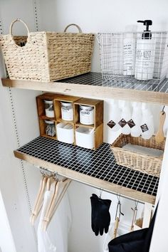 black mosaic on laundry shelves Bathroom Organisation, Home Organization, Diy Interior, Room Interior, Laundry Shelves, Laundry Room, Dream Decor, Getting Organized, Living Room Designs