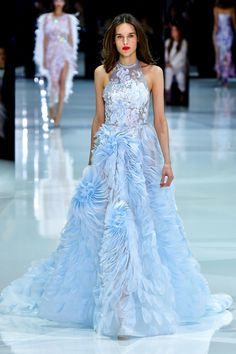 Fashion Week Paris Spring/Summer 2018 look 16 from the Ralph & Russo collection couture Couture Fashion, Runway Fashion, Fashion Show, Paris Fashion, Women's Fashion, Fashion Trends, Vintage Dresses, Nice Dresses, Ralph & Russo