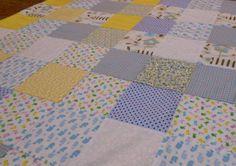 Colcha de bebê, baby quilt - MOC Patchwork http://www.elo7.com.br/colcha-de-bebe-patchwork-almofada/dp/410122