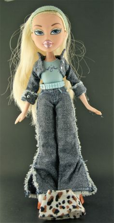 Dressed Bratz Doll -- First (1st) Edition Cloe 2001 W/ Original Outfit