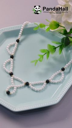 Idea on Simple Pearl made accessories simple Diy Jewelry Necklace, Bead Jewellery, Diy Earrings, Pearl Necklaces, Pearl Beads, Diy Crafts Jewelry, Diy Jewelry Making, Diy Elegant Earrings, Beaded Jewelry Patterns