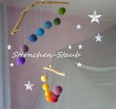 Frühlingsfrohes Regenbogen-Filz-Mobile von ☆Sternchen-Staub☆ auf DaWanda.com