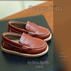 Haiii bunda.... :)  Sepatu anak karya anak bangsa palinng banyak LIKERS nya di FACEBOOK !!!   Sudah dipakai lebih dari 200rb anak di seluruh Indonesia....:)  Hayoo bunda, kembali bergaya dengan DECKS KIDS, :)  Untuk harga dan size chart bisa diliat di masing masing foto, :)  Untuk order dan pemesanan :  PIN BBM : 33589420 (slow respon) Whatsapp & sms: 0811204077 (disarankan) Line @ : @hny6446q (sangat disarankan) Message Facebook DECKS KIDS SHOES (sangat disarankan) #BabyandMother…