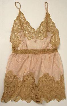 1920's sleepwear