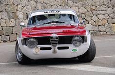 Classic Car News – Classic Car News Pics And Videos From Around The World Alfa Bertone, Alfa Gta, Alfa Cars, Alfa Romeo Cars, Vintage Sports Cars, Retro Cars, Classic Motors, Classic Cars, Alfa Romeo Gtv 2000