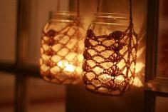 link to free pattern. crochet mason jar lantern