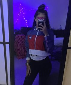 Malu Trevejo Outfits, Cute Outfits, Simple Outfits, Dope Fashion, Teen Fashion, Fashion Outfits, Girls Mirror, Mirror Mirror, Kinds Of Clothes