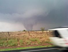 storm chasers death | Storm Chasers Go After Tornadoes in Missouri, Oklahoma