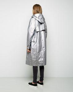 t-by-alexander-wang-silver-laminated-tyvek-coat-product-3-084101663-normal.jpeg (900×1125)