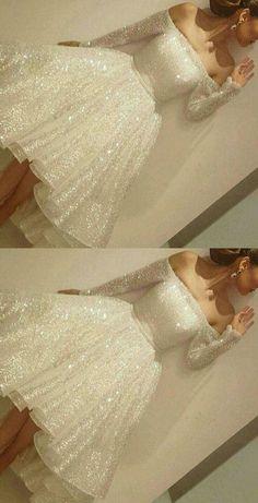OMG THAT LOOKS LIKE A WEDDING DRESS BUT IT'S A PROM DRESS