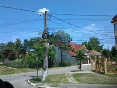 Streets of Romania #cables