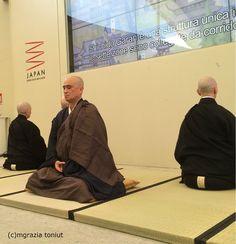 """Il 24 ottobre, sala eventi del Pad. Giappone, si è tenuta la cerimonia inaugurale della Prefettura di Fukui. Tema : """"FUKUI, provincia dello ZEN e della Cucina Shōjin Ryori"""", la cucina zen. La sa..."""
