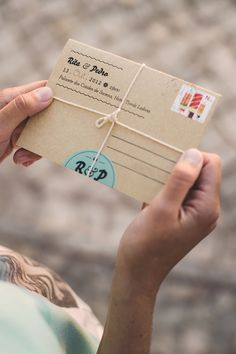 fold-out wedding invitation idea