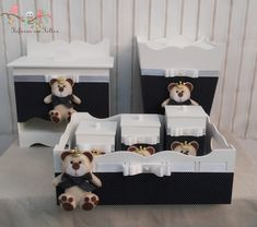 Kit higiene príncipe contende: bandeja com 3 potes, porta fraldas, caixa de remédios e lixeira. Fazemos nas cores, tema e quantidade de peças que o cliente desejar.