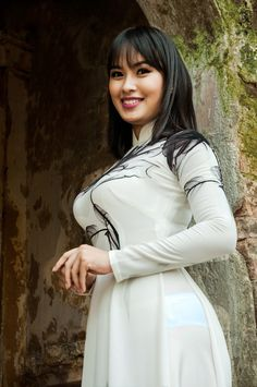 Hii sexy good evening You are doing well I hope you have a great time with your family and friends I will be in touch with you Please send your phone number and your address Plus Zise, Beauty Full Girl, Cute Asian Girls, Emo Girls, Beautiful Asian Women, Ao Dai, Asian Fashion, Asian Woman, Asian Beauty