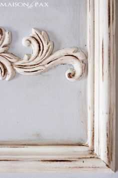 How to build a trumeau mirror: create a gorgeous, french-inspired look in your home without breaking the bank with this diy project! Diy Mirrored Furniture, Painting Antique Furniture, Refurbished Furniture, Furniture Makeover, Painted Furniture, Diy Furniture, French Decor, French Country Decorating, Trumeau Mirror