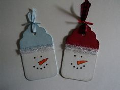 Cute tag idea. Snowman tag ornaments +25 Beautiful Handmade Ornaments - NoBiggie.net