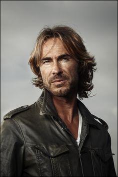 gorgeous Dutch actor Chris Zeegers